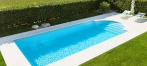 devis piscine coque polyester à Lyon et dans tous le Rhône-Alpes